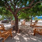 sabadeco-shores-7-chairs-outside-garden-okt2015