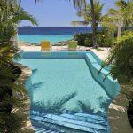 Swimmingpool at kas Popchi