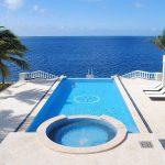 Villa isla bella infinity pool and jacuzzi
